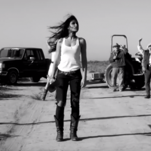 ENRIQUE BUNBURY MUSIC VIDEO - PAULA MENDEZ